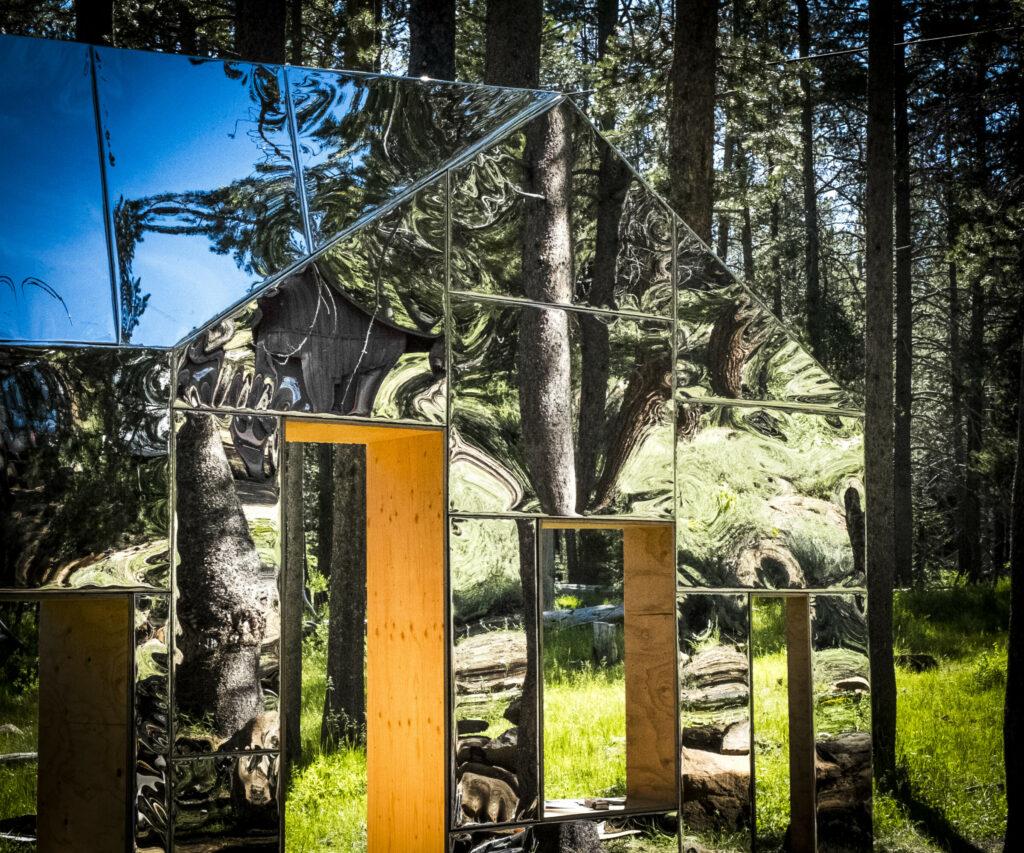 "STPMJ Architects, ""Invisible Barn"" (2015)"